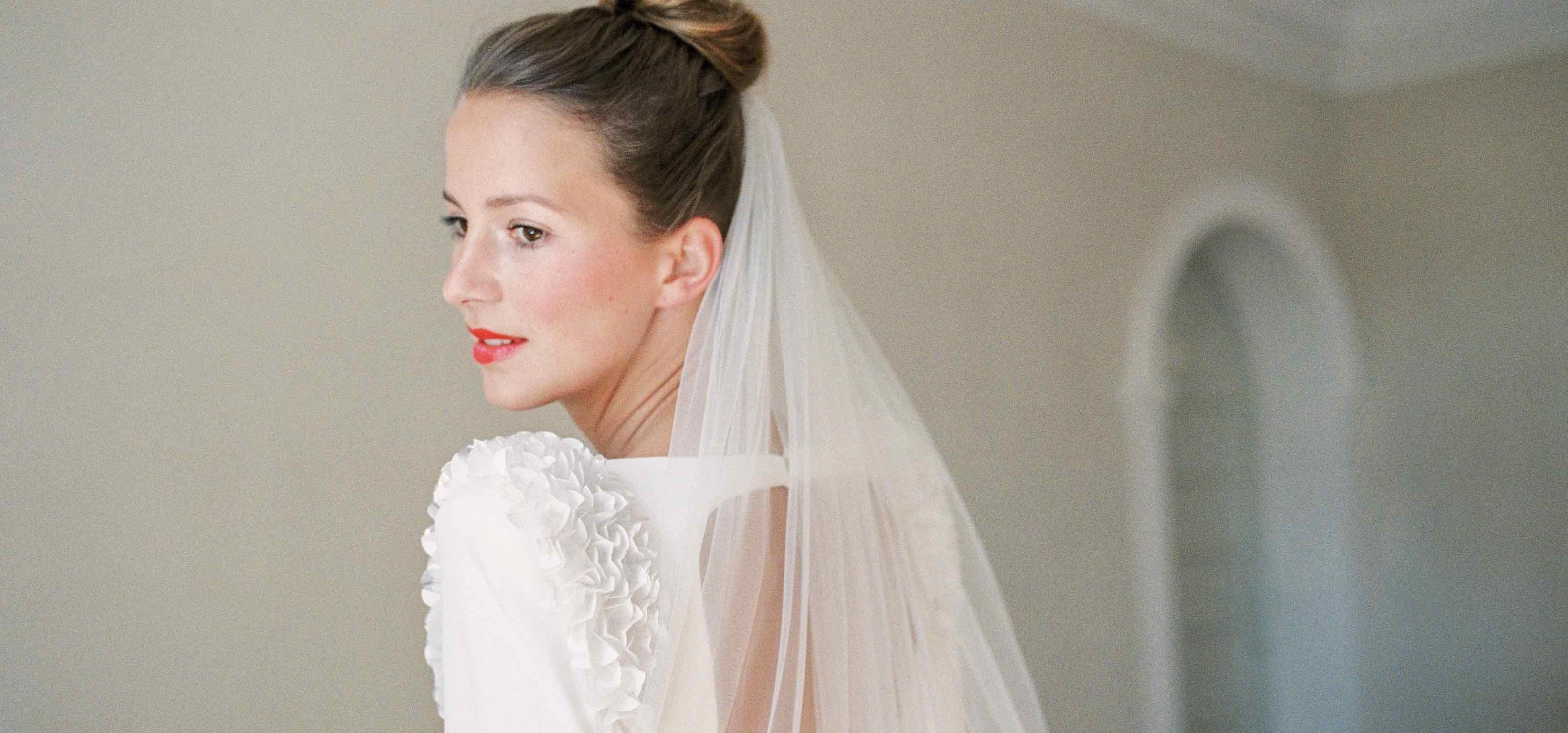 Brauthaarschmuck Brautfrisuren Brautschleier - Finde dein perfektes Haar Accessoire - bellejulie.de